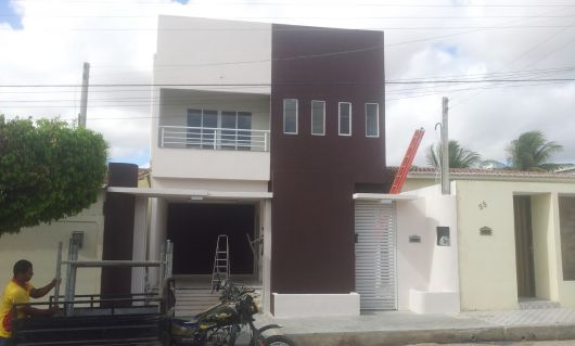 casa-marrom-pequena