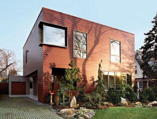 casa-marrom-telhado-embutido-amadeira
