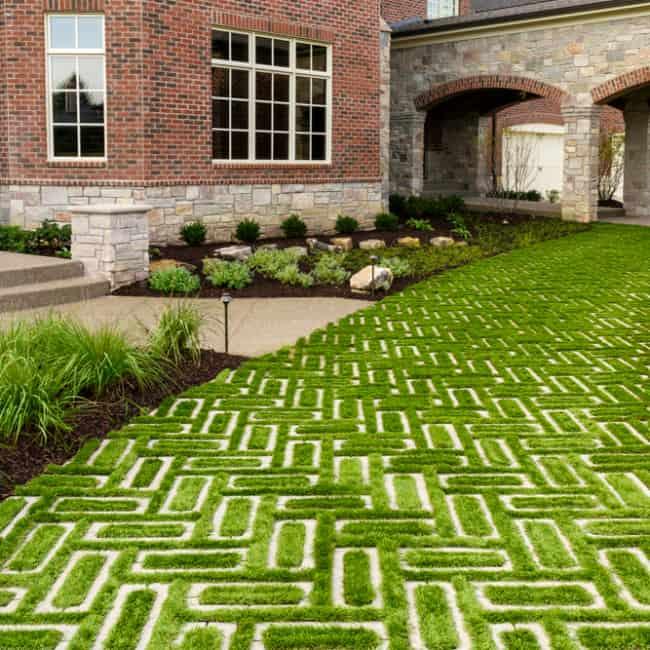 Fotos de jardins com concregrama de pavers retangulares