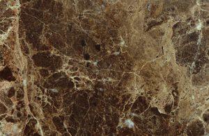 banheiro marrom mármore emperador