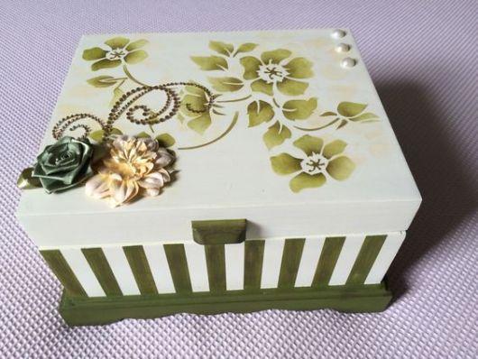 decoração com flor de fita