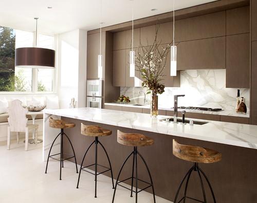 cozinha-marrom-claro-e-branco-sofisticada