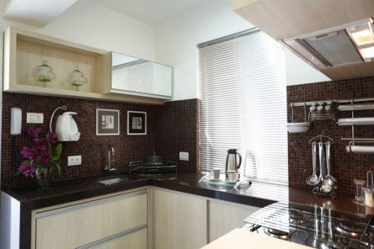 cozinha-marrom-e-branco