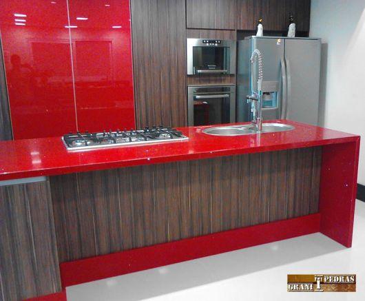 cozinha-marrom-e-vermelho-sugestao