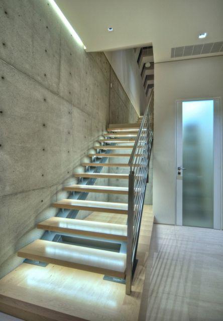 fita-de-led-escada