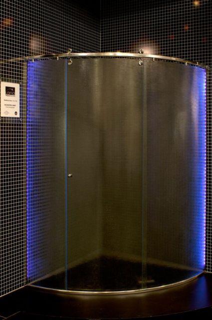 fita-de-led-no-box-banheiro