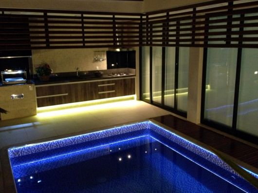 fita-de-led-piscina