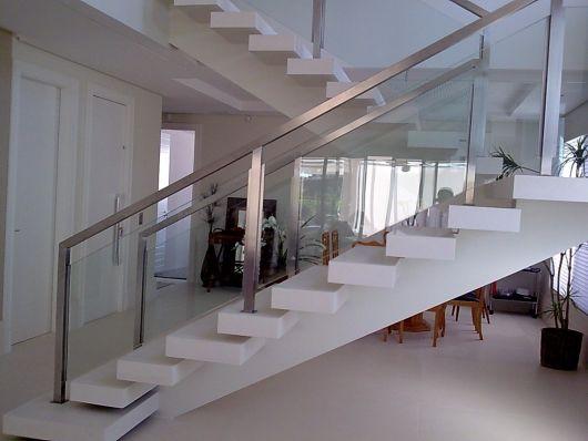 guarda-corpo-de-aluminio-quadrado-na-escada-4