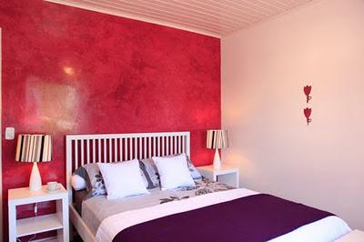 parede vermelha quarto