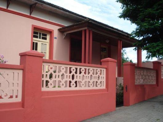 muro-classico-vermelho