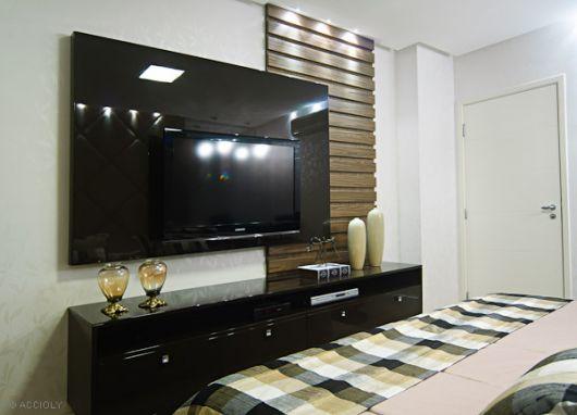 painel-de-tv-espelho-1