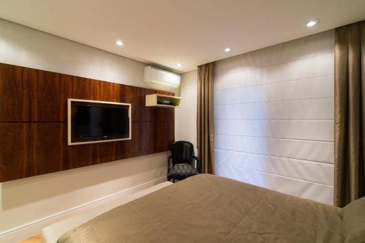 painel-de-tv-quarto-casal-madeira