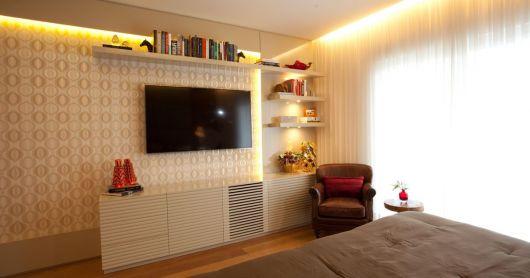 painel-de-tv-quarto-feminino-3