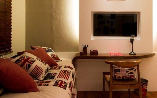 painel-de-tv-quarto-masc-escrivaninha