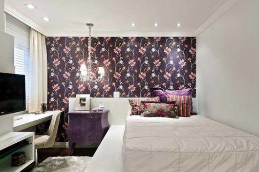 papel de parede roxo floral