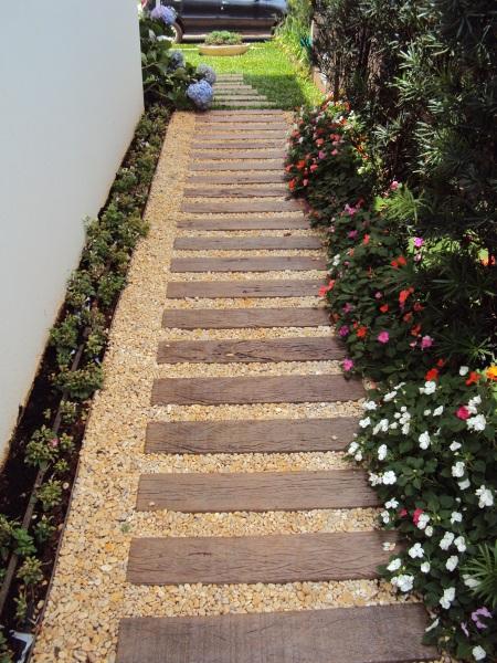 pisantes-para-jardim-de-madeira-bonitos