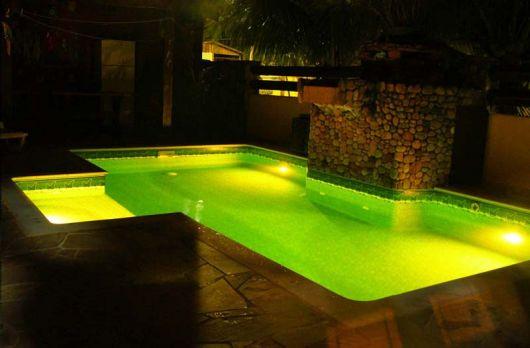 piscina-com-led