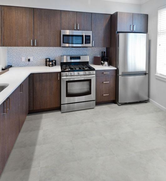 piso-branco-cozinha-cimento-queimado-3
