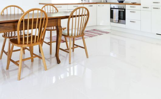 piso-branco-cozinha-polido-1