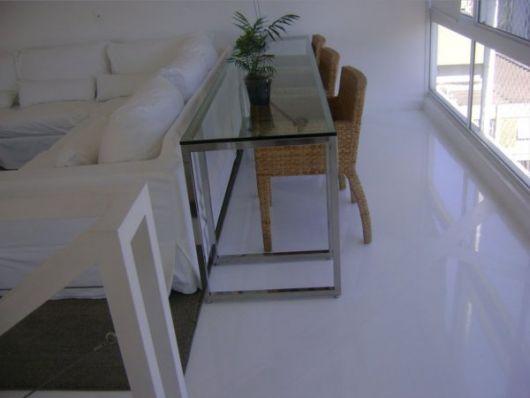 piso-branco-sala-porcelanato-liquido-2