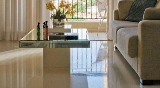 piso-branco-sala-porcelanato-liquido