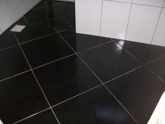 piso-preto-vantagens