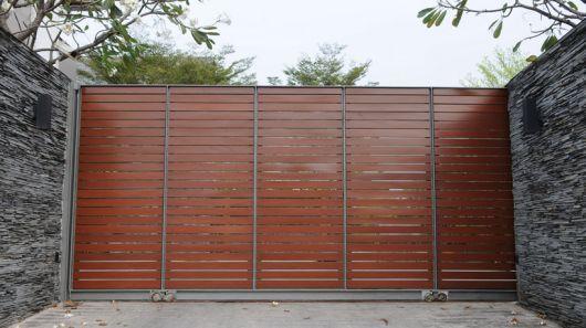 portao-de-madeira-com-ferro-1