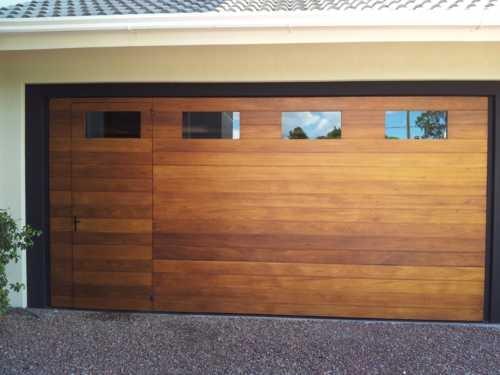 portao-de-madeira-com-vidro