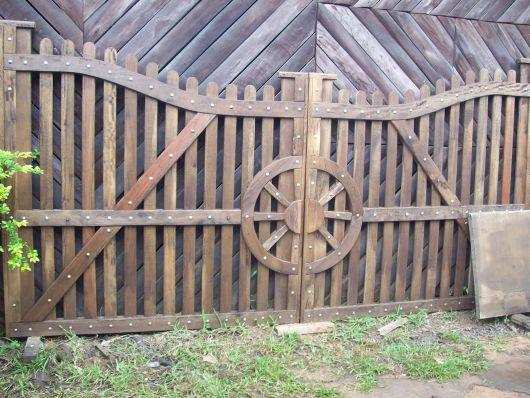 portao-de-madeira-rustico-2