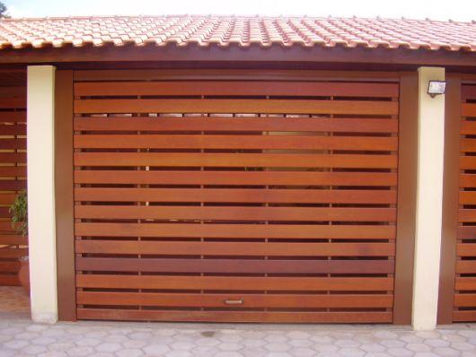 portao-de-madeira-vazado-2