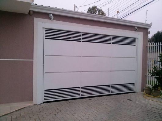 casa com portão branco simples