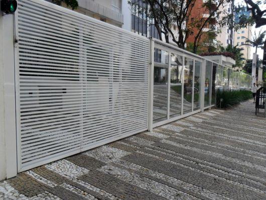portão de vidro com alumínio
