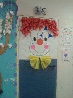portas-decoradas-palhacos