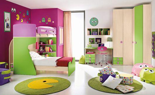quarto-verde-e-roxo-lilas