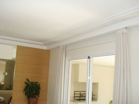 cortineiro com moldura
