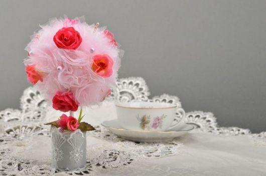 decoração rosa artificial