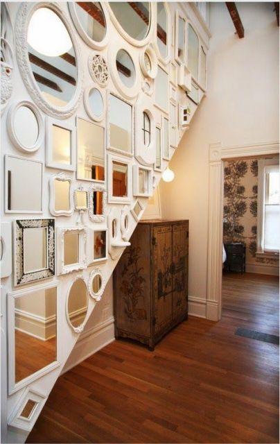 decoracao-com-molduras-em-escada