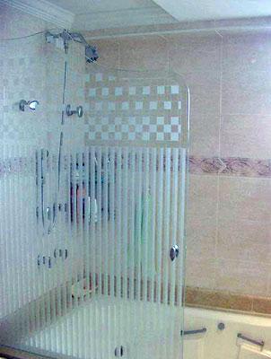 box-de-vidro-para-banheiro-jateado-ideias
