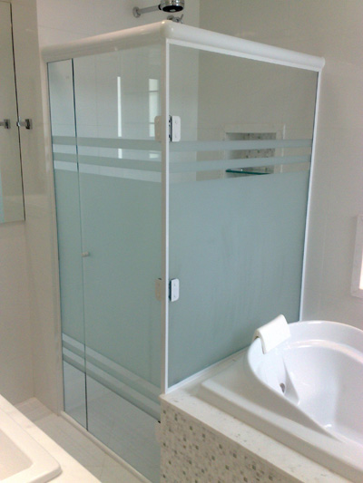 box-de-vidro-para-banheiro-jateado