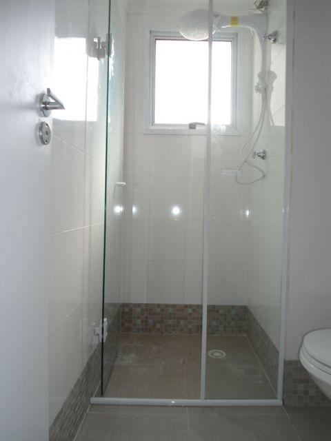 box-de-vidro-para-banheiro-porta-de-abrir-2