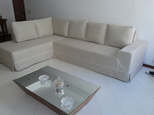 sofá de canto bege
