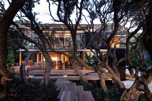 casas-na-floresta-diferente-e-moderna