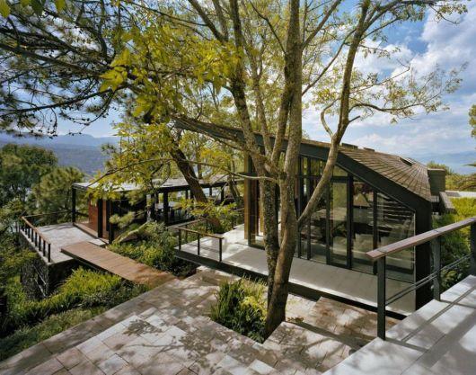 casas-na-floresta-luxuosa-e-moderna
