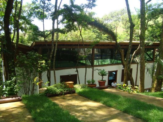 casas-na-floresta-moderna-2