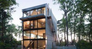 Casas no lago com portas de vidro