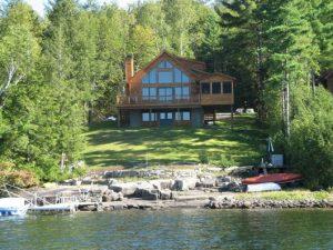casas no lago de madeira