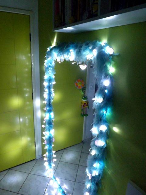 decoracao-com-pisca-pisca-para-espelho-plumas