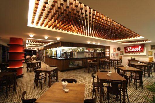 decoração retrô bar grande