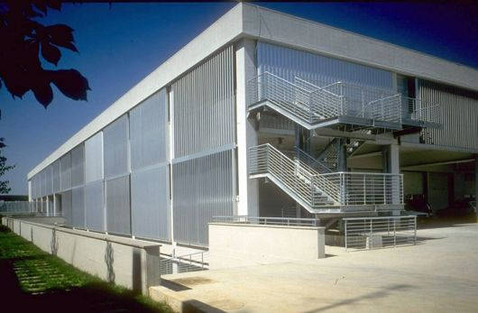 fachadas-metalicas-diferenciadas