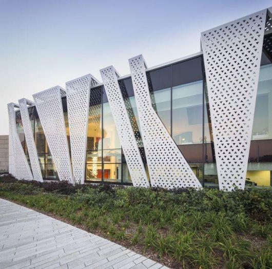 fachadas-metalicas-impressionantes